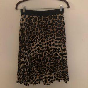 Chic Zara Leopard Print Midi